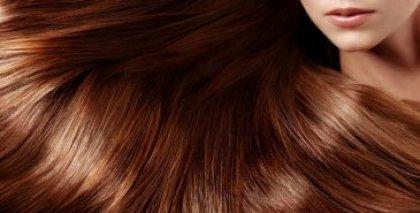 El aceite de naranja de los cabello